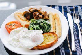 ダイエットにとって朝食の摂取は必要か